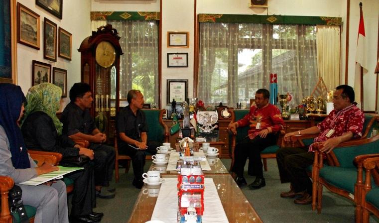 Kunjungan Kepala BPS DIY Dan Kepala BPS Kota Yogyakarta Ke Pemerintah Kota Yogyakarta